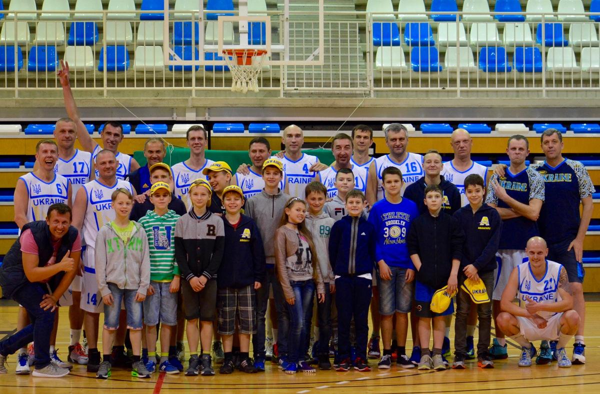Украинские баскетболисты на турнире «Коста Бланка Баскет Кап 2016»